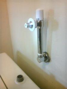 かべぴた水栓